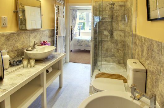 Master Bedroom En-suite, Beacons Cottage, Outchester & Ross Farm Cottages, Northumberland