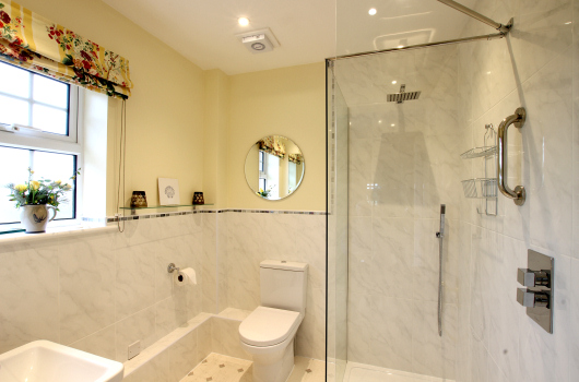 Bathroom, Dovecot Cottage, Outchester & Ross Farm Cottages, Northumberland