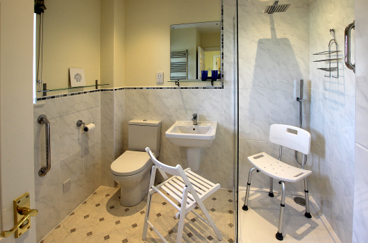 Bathroom, Eiderduck Cottage, Outchester & Ross Farm Cottages, Northumberland