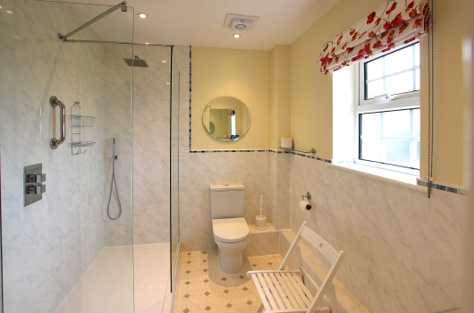 Bathroom, Hedgehope Cottage, Outchester & Ross Farm Cottages, Northumberland